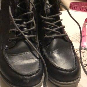 Boots by Sonoma size4 bid boy